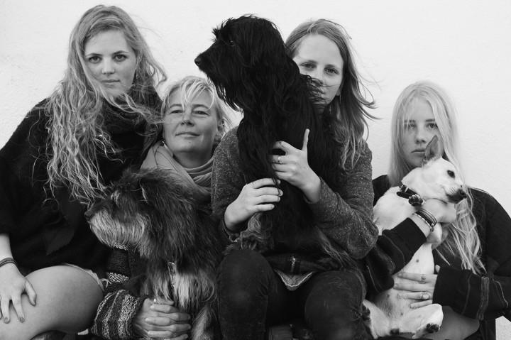 Familienportrait Zottelfamilie, Sommer 2013, Foto: Jana Ritchie