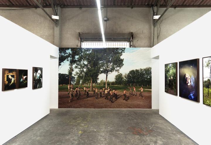 """""""Kontakt"""", Máté Bartha, Ausstellungsansicht, Arles 2019, Foto: Robert Rausch"""